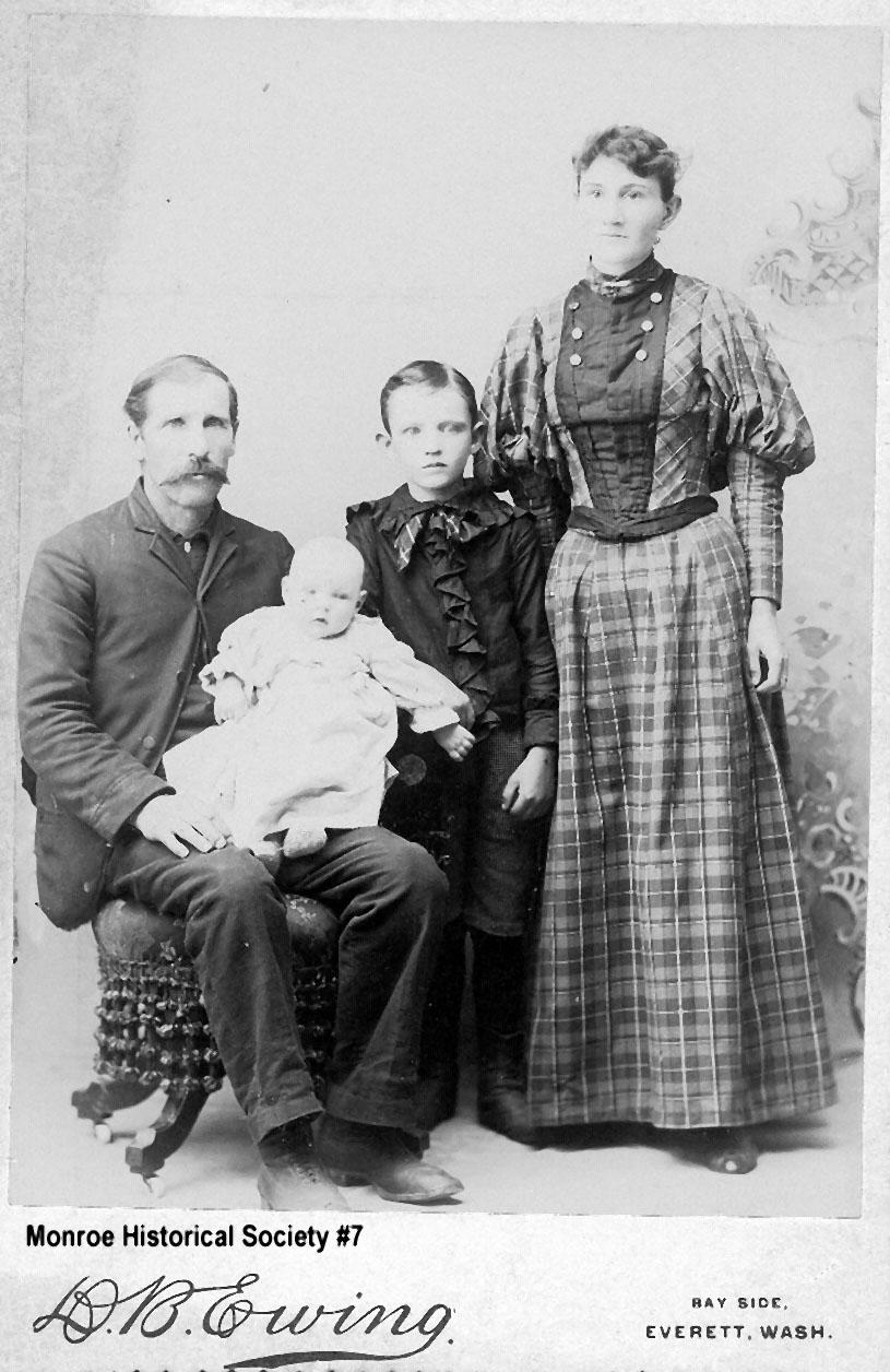 0007 – Hayes family portrait