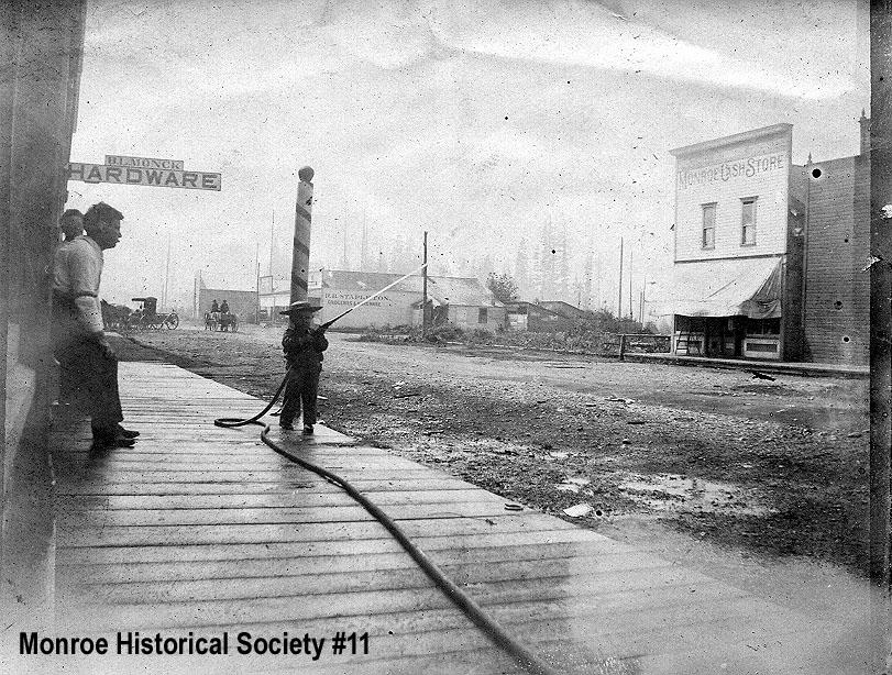 0011 – Main Street Monroe before 1901 fire