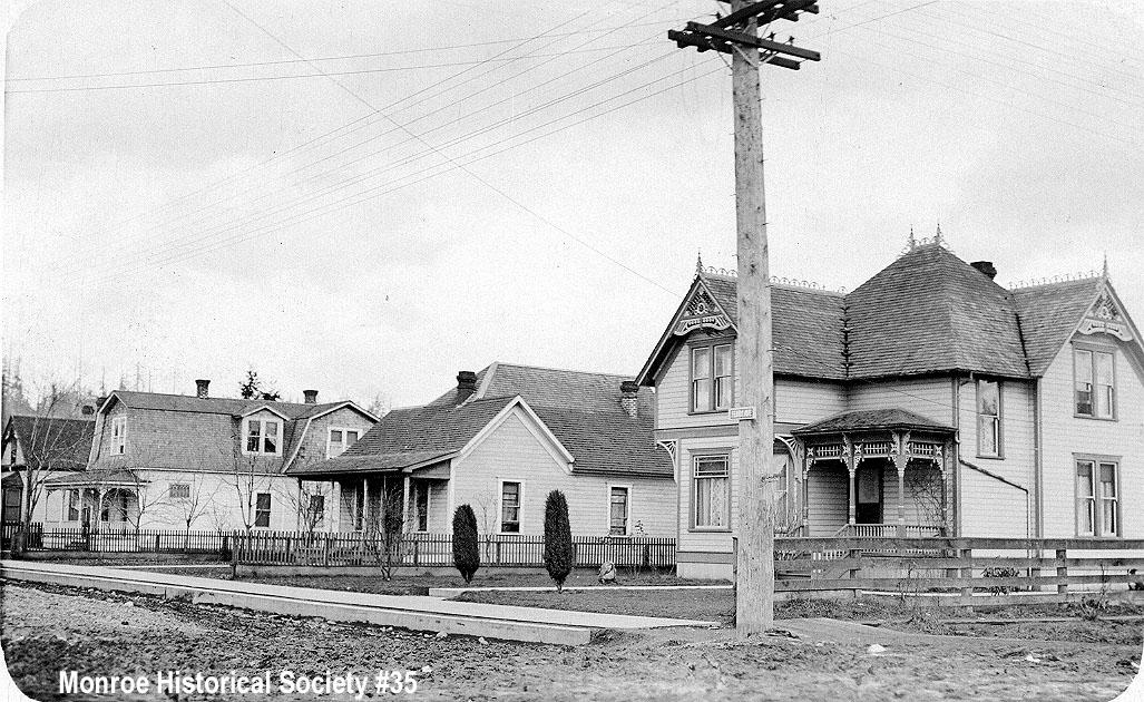 0035 – Ferry Street with Sprau, Barlow and Dennis residences