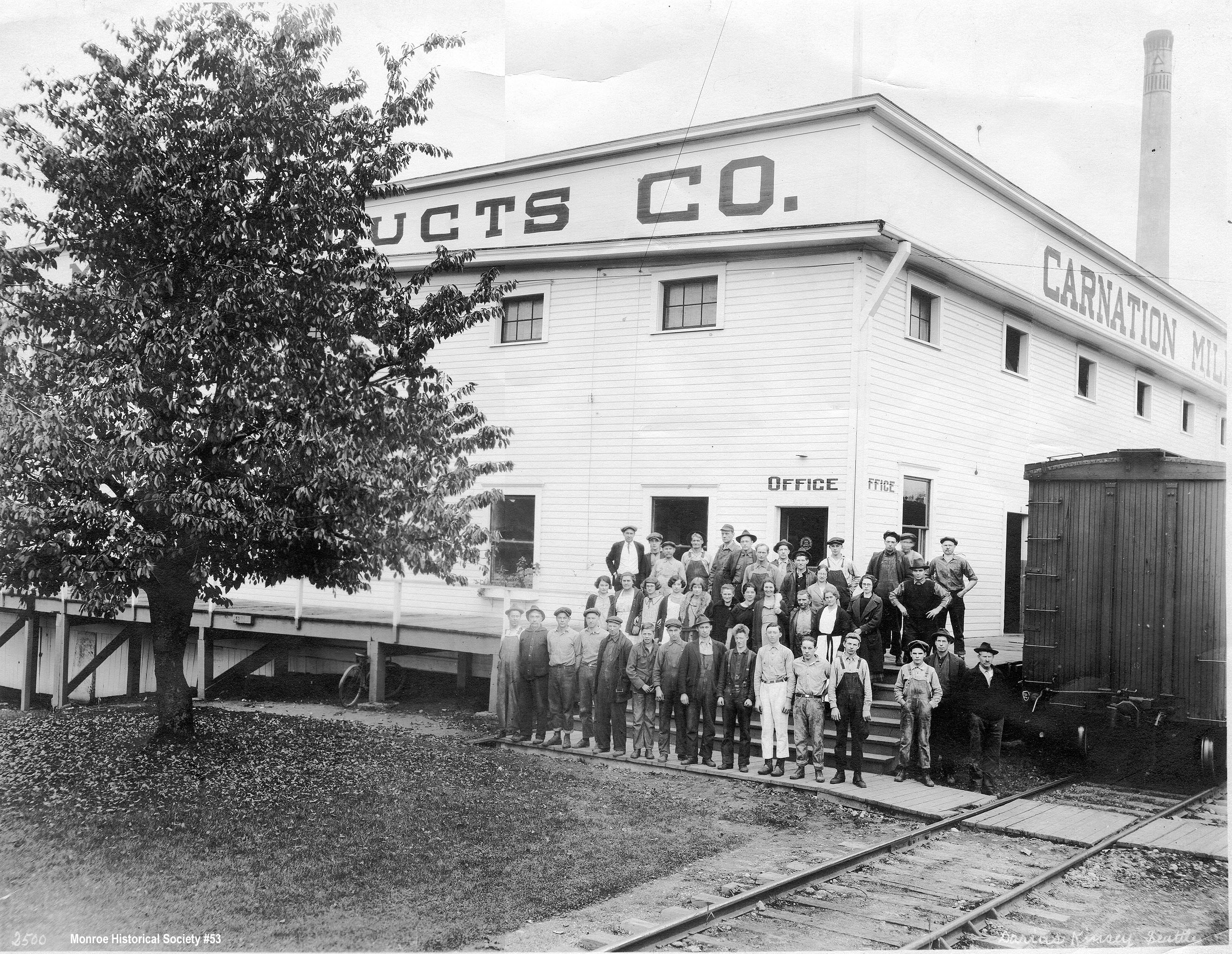 0053 – Carnation Condensery with employees 1920s