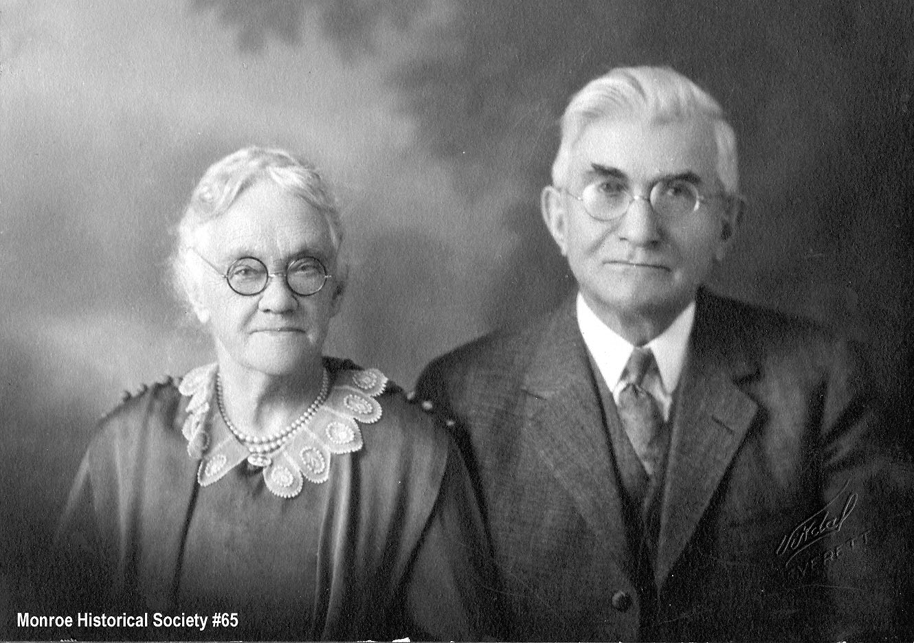 0065 – August Holmquist and his wife, Caroline Larson Holmquist, in 1928
