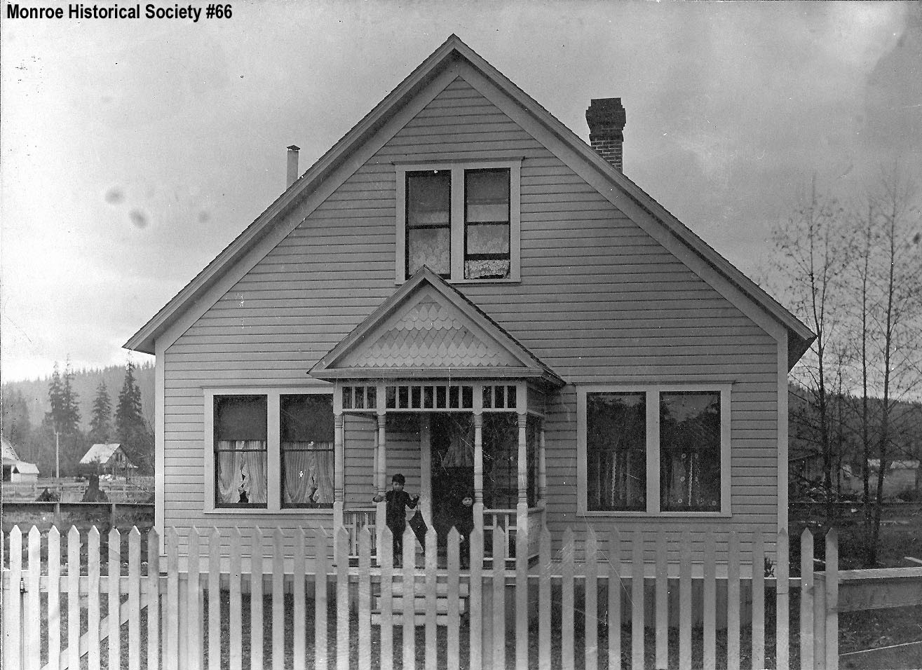 0066 – House at 317 South Blakely built in 1916