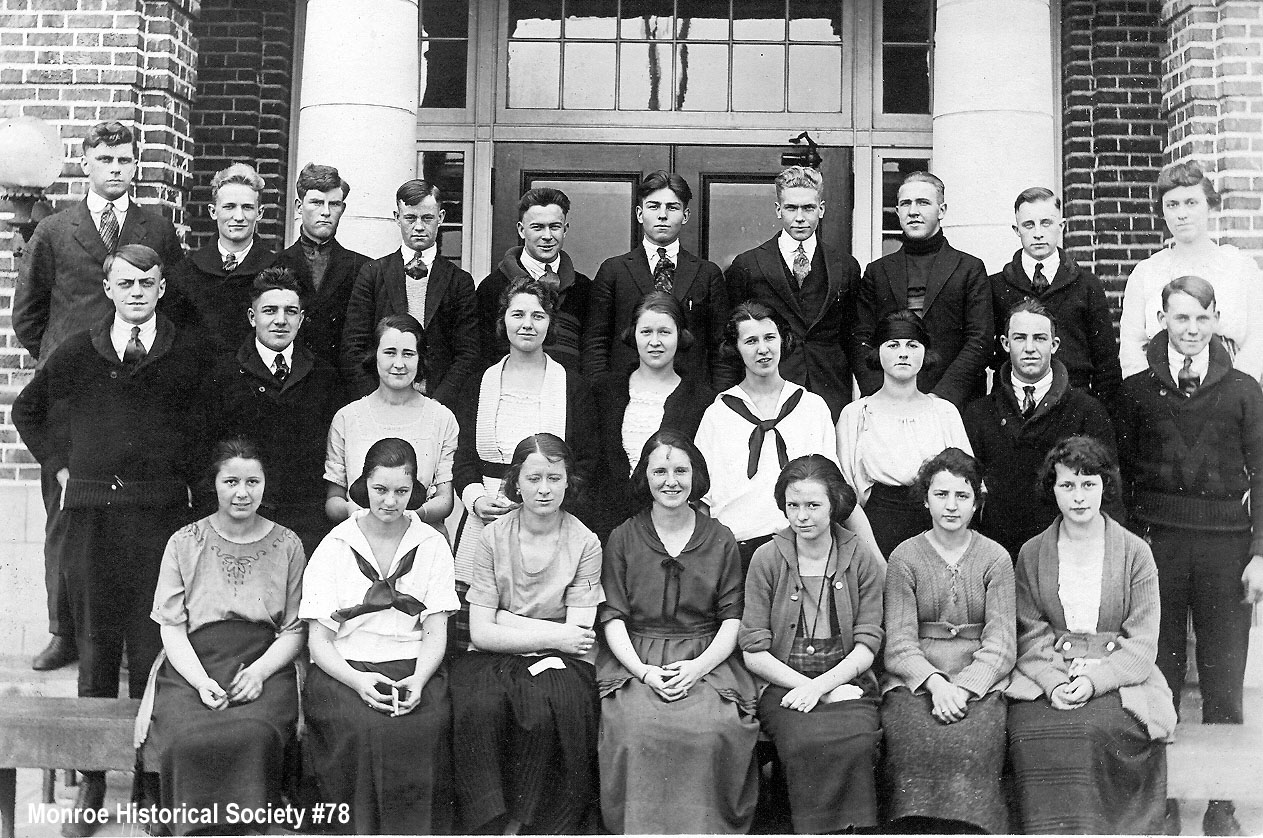 0078 – Monroe High School class picture c1920