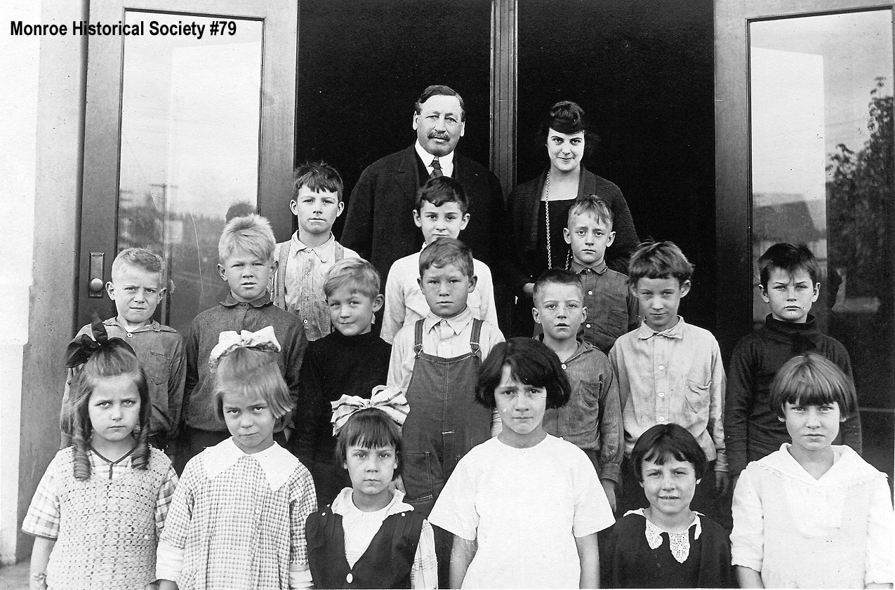 0079 – Central School class picture c1920