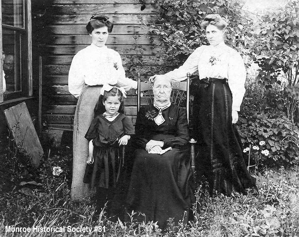 0081 – Four generations of women from the Hayes and Dennis families in 1904