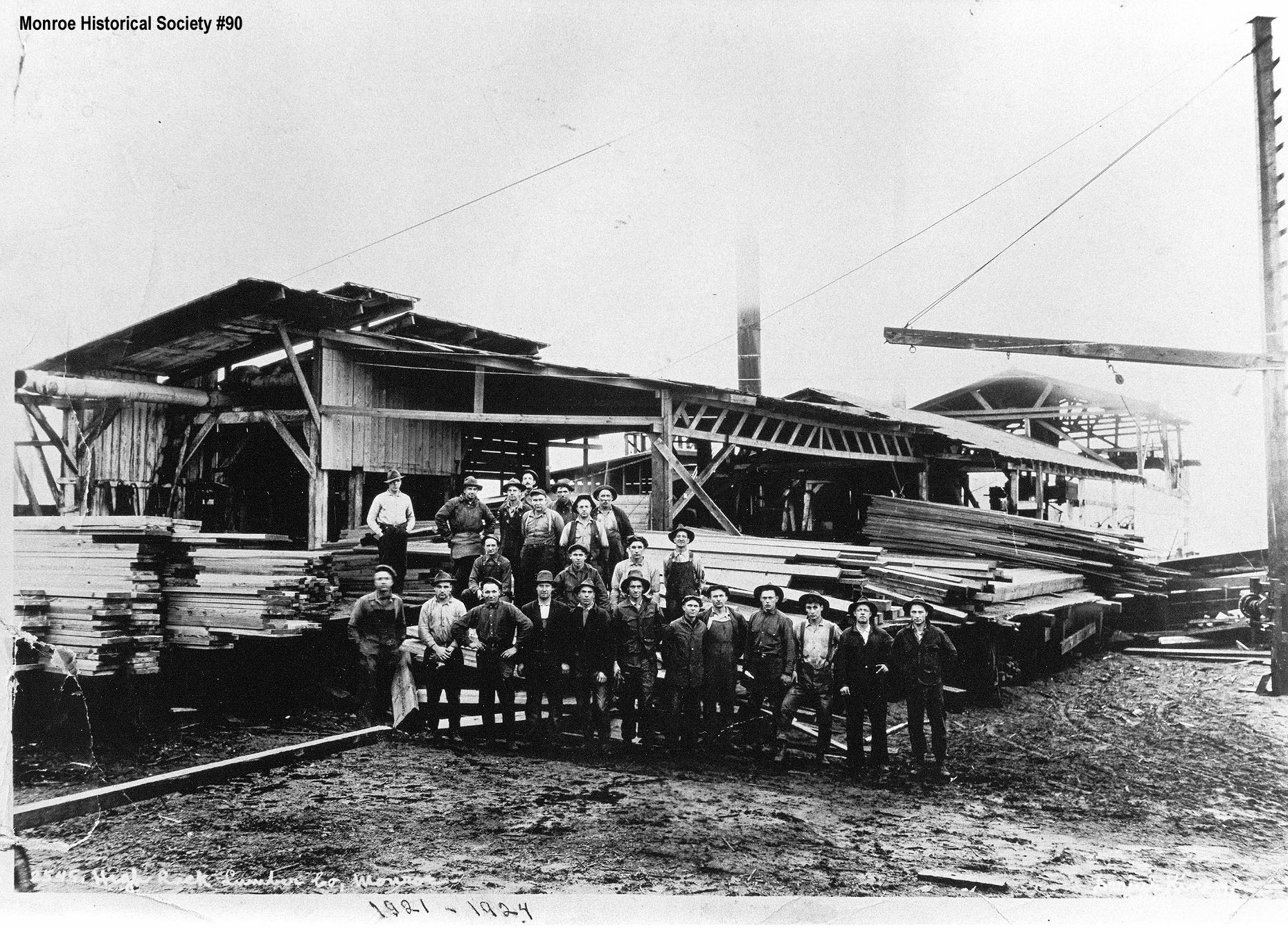 0090 – High Rock Lumber Company with crew c1921