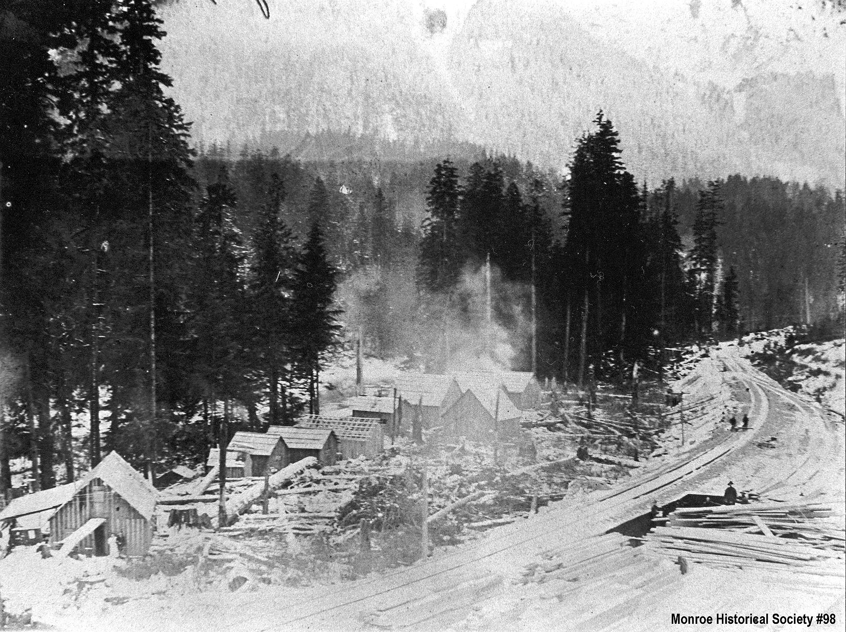 0098 – B.B.&R. Mill Camp (later Haybrook) in the snow, Sunset Falls near Index, winter 1908-09